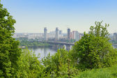 Paton Bridge and Left Bank of the Dnieper river, Kyiv, Ukraine — Stock Photo