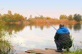湖の釣り人 — ストック写真