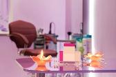 Innere des luxus-friseursalon mit leere visitenkarten — Stockfoto