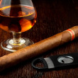 Cigar and rum — Stock Photo