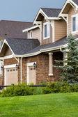 Comunità suburbana con case modello. — Foto Stock