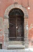 Italian wooden door — Stock Photo