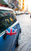 British Patriotism shown on car mirror — Stock Photo