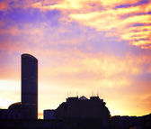 High-rise building at daybreak — Stock Photo