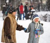 Grandmother with grandchild in winter — Foto Stock