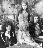 QUEEN - UK group in 1976 — Stock Photo