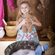Little girl erases bears — Stock Photo