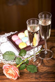 Champagne with  macaroons — Stock Photo