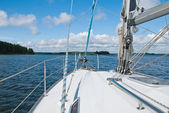 Sailing yacht in the Gulf of Finland — ストック写真