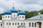 Dôme bleu de l'ancienne église orthodoxe de russie — Photo