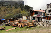 Construction tourist lodge in Tengboche. Nepal, Himalayas — Stock Photo