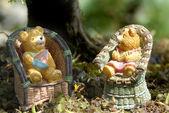 Baby boy and girl teddy bears — Stock Photo