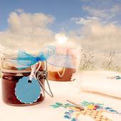 Frascos de mermelada en el campo — Foto de Stock