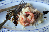 Cooked rice and prawns — Stock Photo