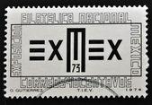 一枚邮票,印在墨西哥显示符号的美国集邮展邀请函 — 图库照片
