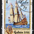 A stamp printed in Cuba shows Sailing vessel Galleon, S. XVII — Stock Photo