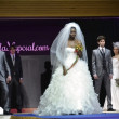 Models with wedding dress and  wedding suit walks the catwalk at the First Bridal Fair Granada — Photo