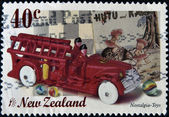En stämpel som skrivs ut i Nya Zeeland tillägnad nostalgi, visar leksaker — Stockfoto