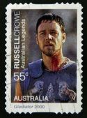 Australia - alrededor de 2000: un sello impreso en australia muestra russell crowe como gladiador, alrededor de 2000 — Foto de Stock