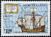 NEW ZEALAND - CIRCA 1992: A stamp printed in New Zealand devoted to 500th anniversary of the discovery of America, shows Ships of Columbus Santa Maria, circa 1992 — Foto Stock