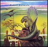 TANZANIA - CIRCA 1994: A stamp printed in Tanzania dedicated to fossil animals, shows a dimetrodon, circa 1994 — Stock Photo