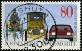 GERMANY - CIRCA 1986: A stamp printed in Germany dedicated to the 100th anniversary of the car, shows Benz Tricycle, Saloon Car, 1912 and Modern Automobile, circa 1986 — Foto Stock