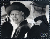 UNITED KINGDOM - CIRCA 1997: A stamp printed in Great Britain shows shows Queen Elizabeth II, circa 1997. — Stock Photo