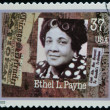UNITED STATES OF AMERIC- CIRC2002: stamp printed in USdedicated to Women in Journalism, shows Ethel L. Payne, circ2002 — Stockfoto #21832175