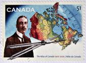 Kanada - circa 2006: eine briefmarke gedruckt in kanada zeigt james white und atlas von kanada, circa 2006 — Stockfoto