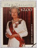 Nova zelândia - circa 2001: selo imprimido na nova zelândia mostra a rainha elizabeth ii, por volta de 2001 — Fotografia Stock