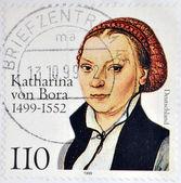 Deutschland-circa 1999: briefmarke gedruckt in deutschland zeigt katharina von bora, circa 1999 — Stockfoto