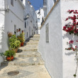 Townhouses along a typical whitewashed village street, Frigiliana, Andalusia — Stock Photo
