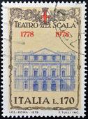 Italien - ca 1978: en stämpel tryckt i italien visar teatro alla scala i milano, ca 1978 — Stockfoto