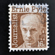 Foto de Stock  : UNITED STATES OF AMERIC- CIRC1971: stamp printed in USshows Ernest Taylor Pyle, journalist, circ1971
