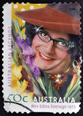 AUSTRALIA - CIRCA 2004: A stamp printed in australia shows Dame Edna Everage, circa 2004 — Foto Stock
