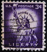 UNITED STATES OF AMERICA - CIRCA 1930: A stamp printed in USA shows image of The Statue of Liberty (Liberty Enlightening the World) circa 1930. — Stock Photo