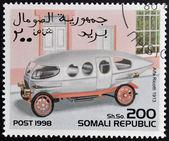 Somalia - ca. 1998: briefmarke gedruckt in republik somalia zeigt retro auto, alfa ricotti, 1913, ca. 1998. — Stockfoto
