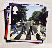 UNITED KINGDOM - CIRCA 2007: a postage stamp printed in Great Britain showing an image of The Beatles, Abbey Road album cover, circa 2007. — Zdjęcie stockowe