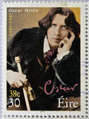 IRELAND - CIRCA 2000: a stamp printed in Ireland shows an image of Oscar Wilde, circa 2000. — 图库照片