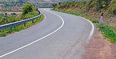 Strada tortuosa — Foto Stock