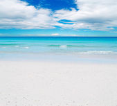 White sand and blue sky — Stock Photo