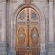 Neo gothic door and columns — Stock Photo