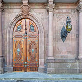 Neo gothic door — Stock Photo