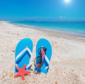 Flip-flops and sun — Stock Photo