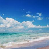 Wellenförmige Meer — Stockfoto