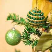 Christmas balls on the tree — 图库照片
