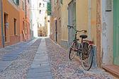 Vélo sur le bord — Foto de Stock