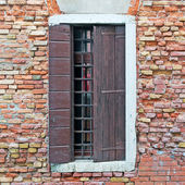 Window and bricks — Stock Photo
