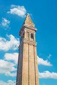 Campanario con nubes — Foto de Stock