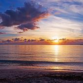 Pôr do sol à beira-mar — Foto Stock